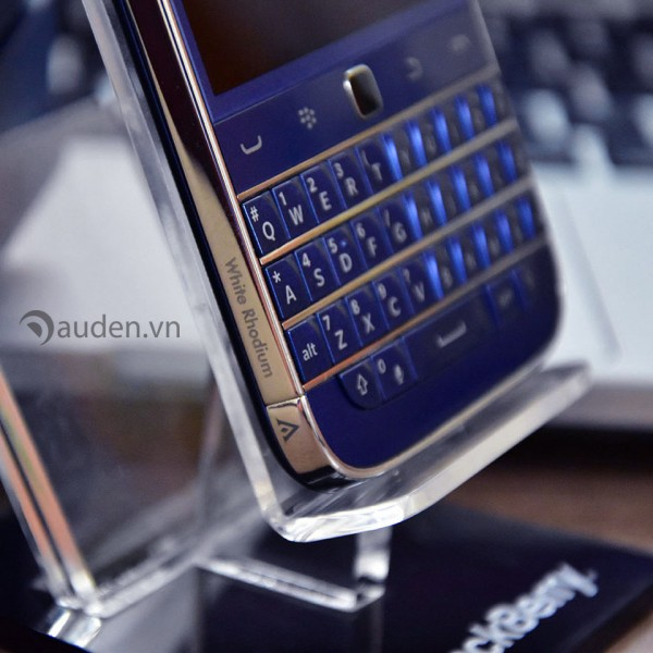 BlackBerry-Classic-Rhodium-golden-ace copy-600x600