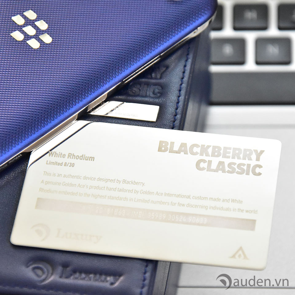 BlackBerry-Classic-Rhodium-the-chung-nhan copy