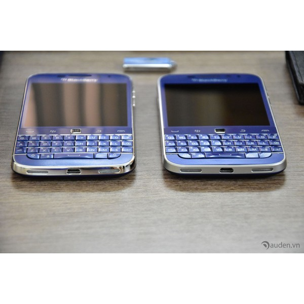 Blackberry Classic Rhodium-vs-Standar-loa-600x600