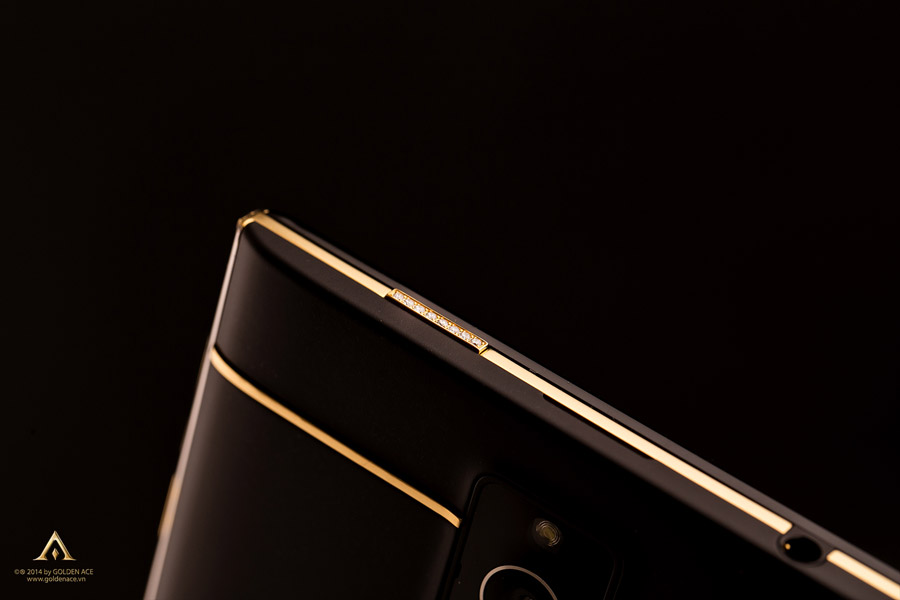 BlackBerry-Passport-Full-Gold-18K-ft-Diamond-Golden-Ace-5