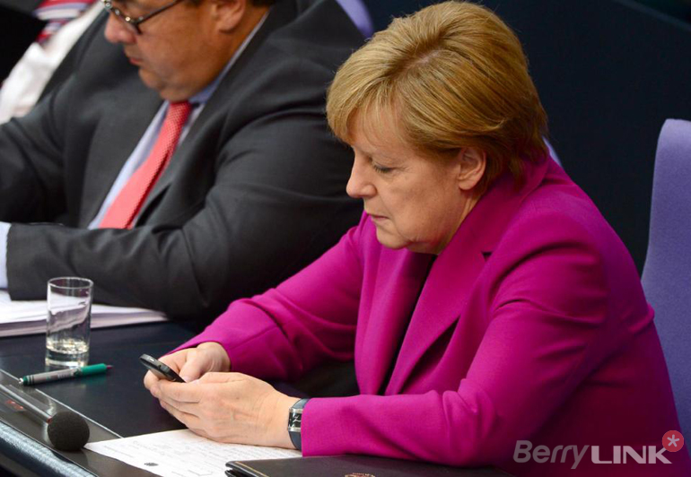 Angela Merkel blackberry