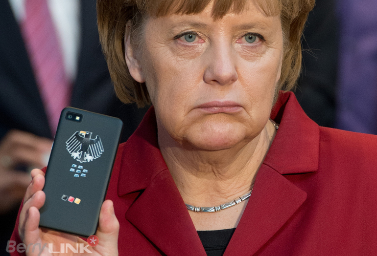 Angela Merkel blackberry1
