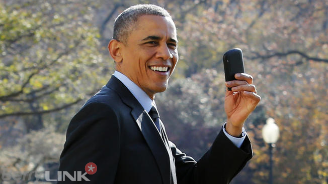 obama-blackberry-love