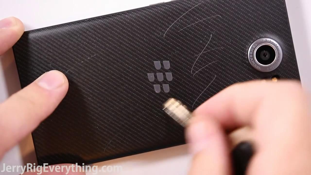 BlackBerry Priv - Scratch Test, Burn Test, Bend Test[18201511145828GMT]