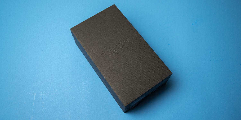 黑莓KEYONE手机包装盒正面