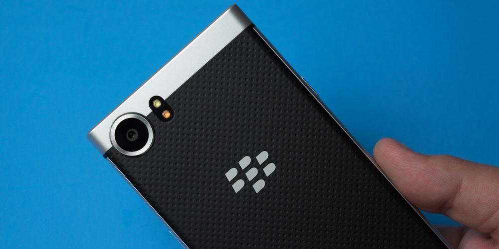 黑莓KEYONE手机背面