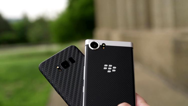 黑莓KEYone与三星Galaxy拍照摄像