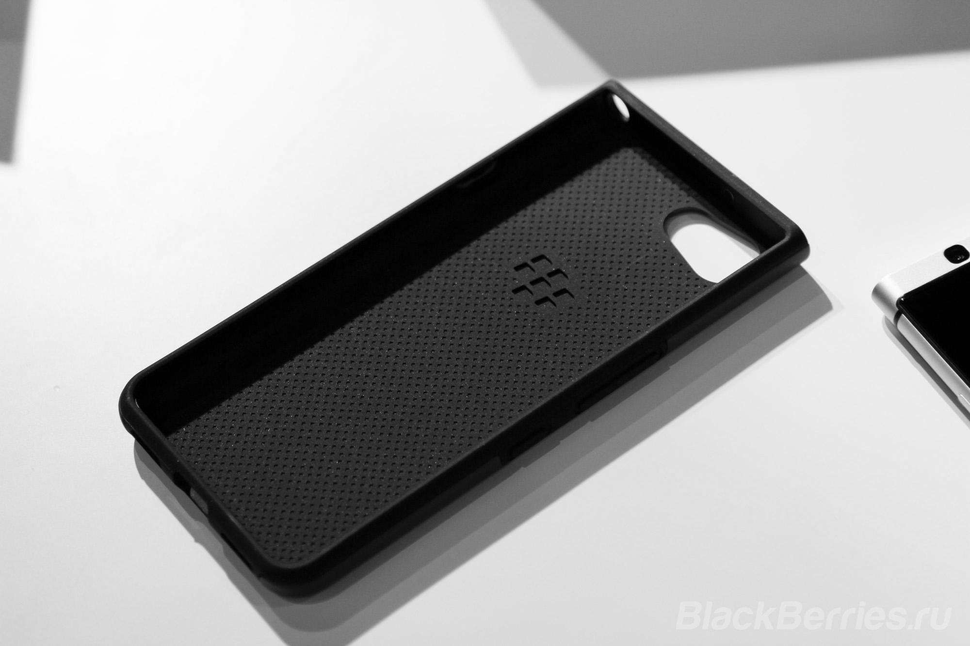 BlackBerry-KEYone-case-09