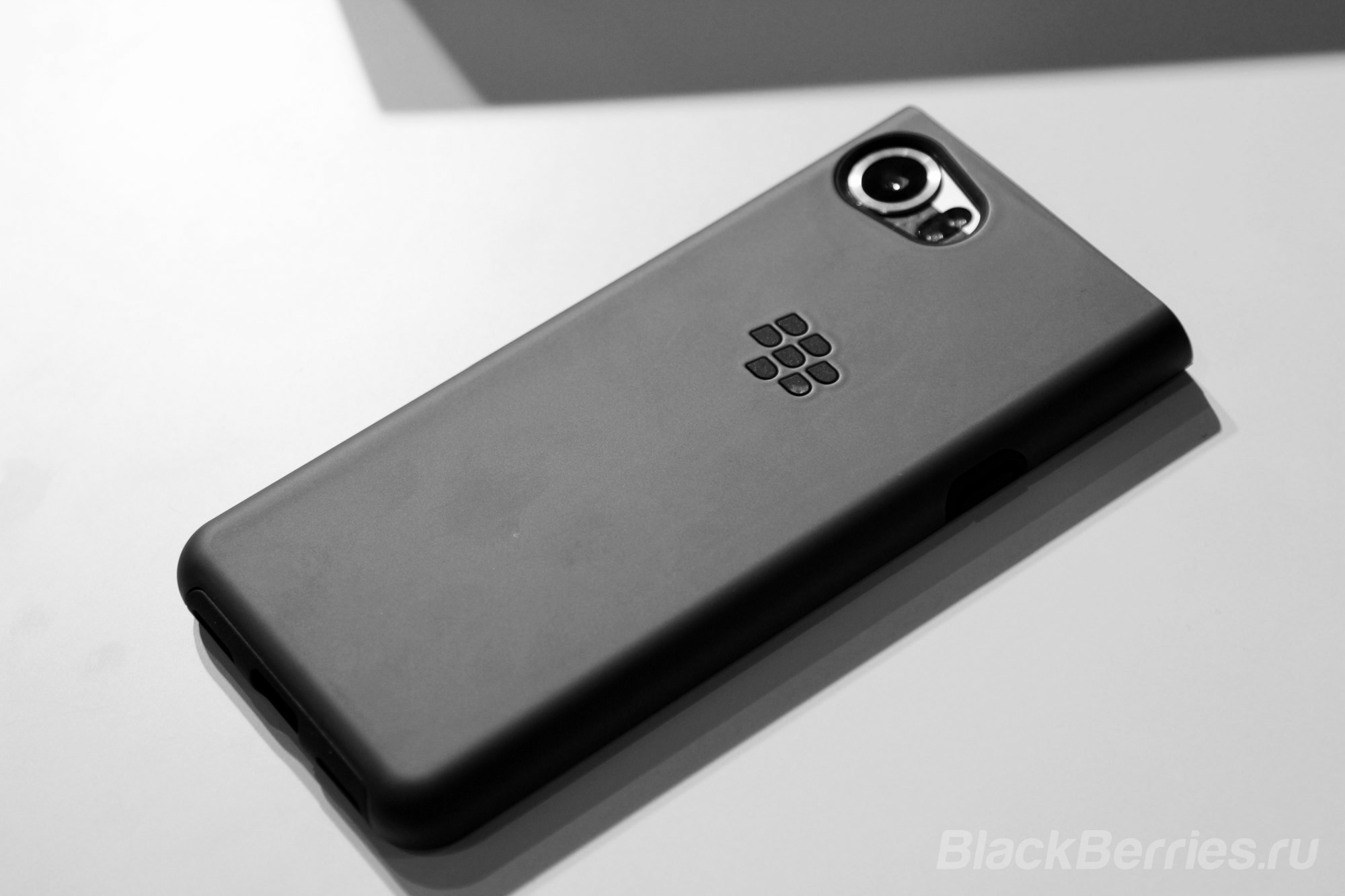 BlackBerry-KEYone-case-10