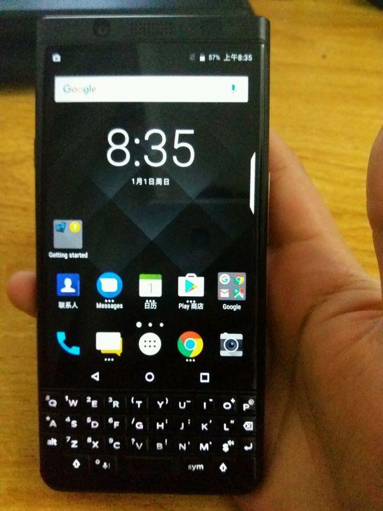 全黑色KEYone手机照片