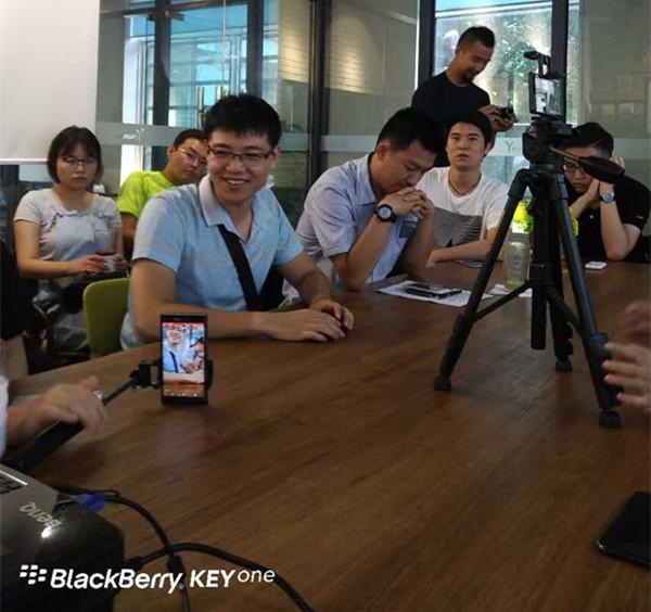 blackberry-keyone-beijing-offline-live-pic-12